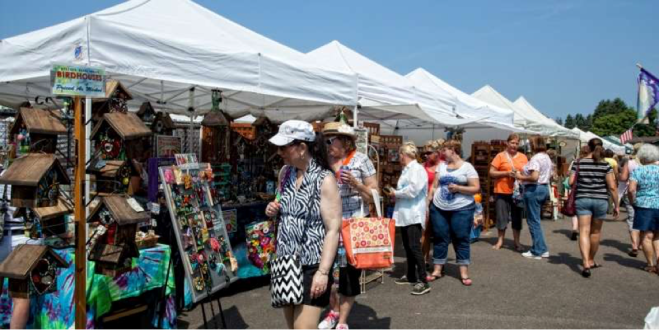 Lakes Country Arts and Crafts Show
