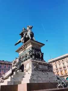 man riding horse monument